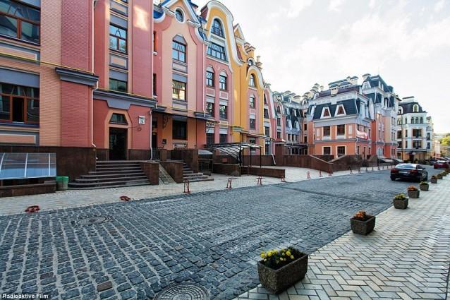 'Thị trấn ma của các triệu phú' ở Kiev