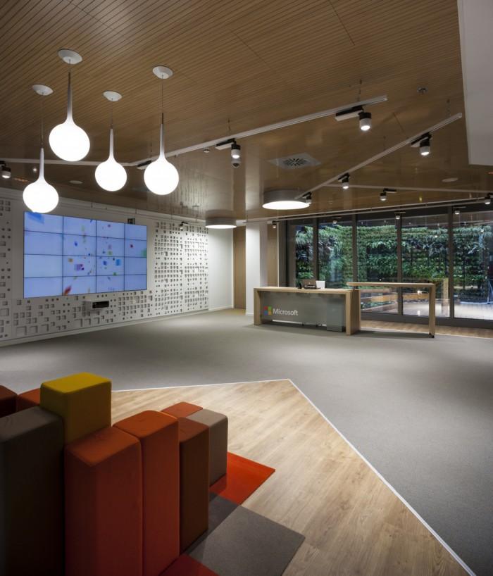 Bên trong thiết kế văn phòng mới của Microsoft tại Marid