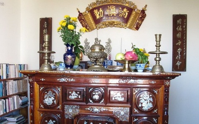 Những điều kiêng kị tuyệt đối tránh khi lau dọn bàn thờ để không gặp tai ương