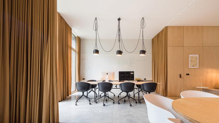 Mẫu thiết kế nội thất văn phòng sáng tạo cho công ty nhỏ